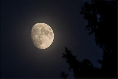 Měsíc A - 60x90 - plátno