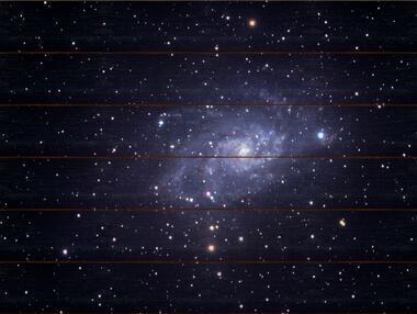 Galaxie v Trojúhelníku A - 60x80 - dřevo