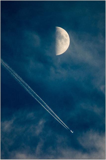 Měsíc a letadlo A - 40x60 - plakát