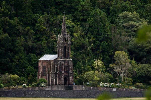 Furnas church